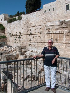 My father came to Jerusalem 1942 , at Robinson Arch 2012